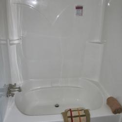 Tubs And Tub Shower Combos Modular Homes B And B Homes